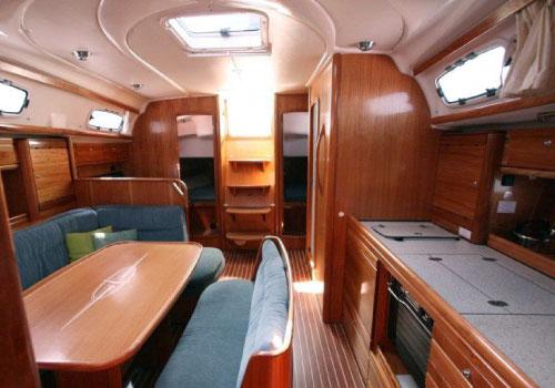 Bavaria_39_interior_jahi_rent_tallinnas_yacht_rental_estonia-aренда-яхт-таллинн-эстония-таллин