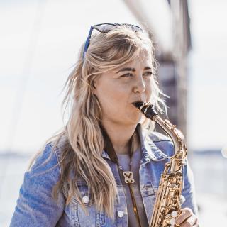 Eliisa-saxophone-yacht-tallinn