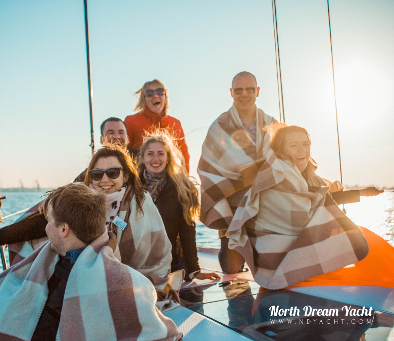 birthday-party-yacht-tallinn-sailing-what-to-do-fun-trip