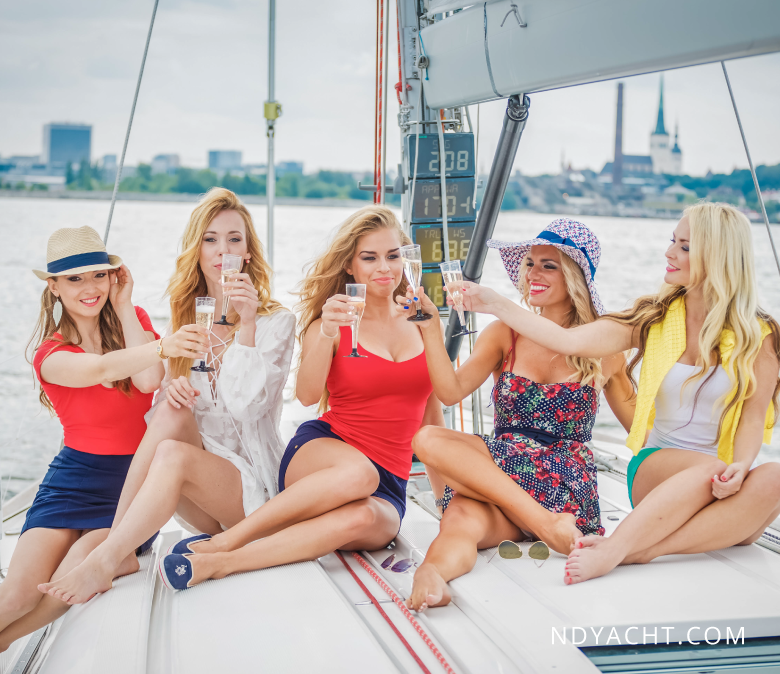 девичник-в-таллинне-аренда-яхт2